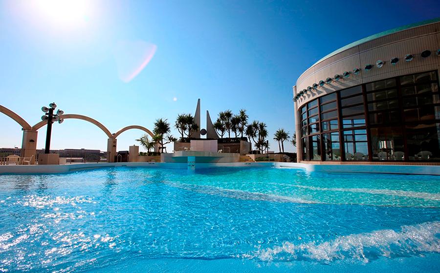 プール|ロワジールホテル 那覇の過ごし方|沖縄のホテル「ロワジール ...
